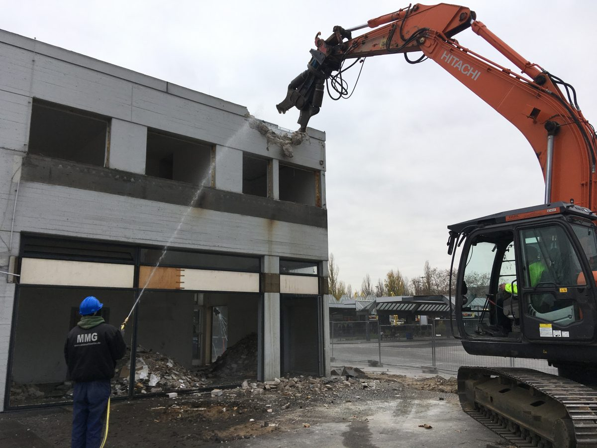 Abbruch Berlin Bagger
